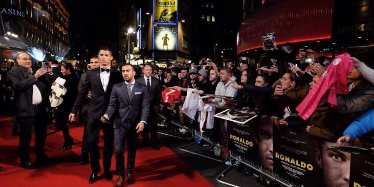Cristiano Ronaldo intenta romper récord Guiness de selfies
