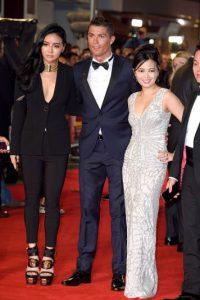 Entre ellos, Kim Lim (a la izquierda de Ronaldo), hija de Peter Lim, dueño del Valencia. Foto:Getty Images