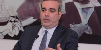 Abinader acusa gobierno cobrar 2,764 millones por permisos para importación