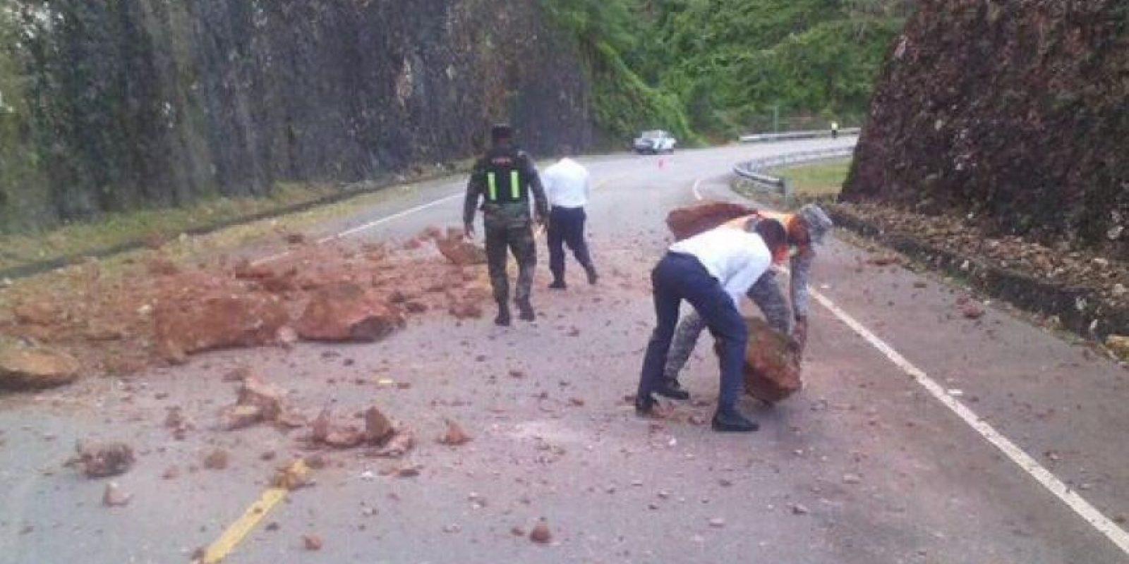 Derrumbes en carretera por las lluvias. /Fuente Externa