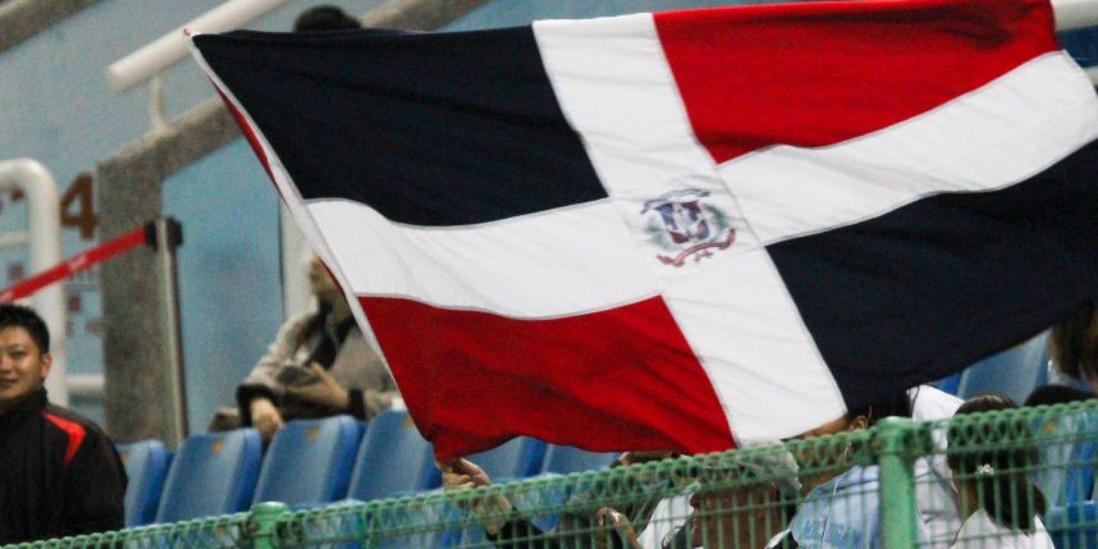 Parte de los fanáticos que fueron a darle su apoyo al equipo dominicano Foto:Fuente Externa