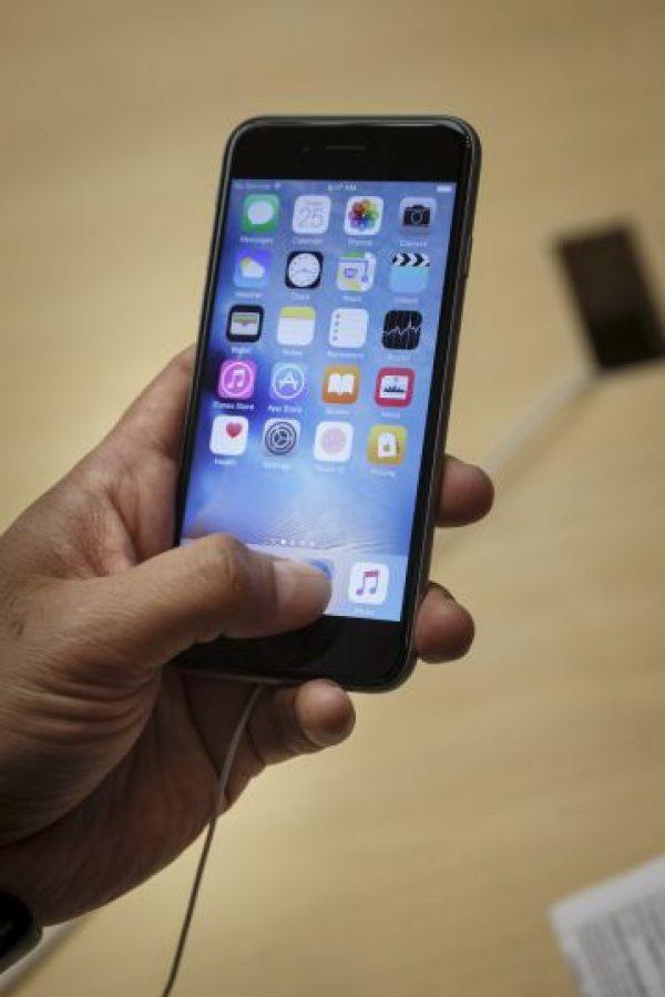 Una de sus nuevas características es el 3D Touch, el cual percibe la fuerza que ejerce el usuario sobre la pantalla. Foto:Getty Images