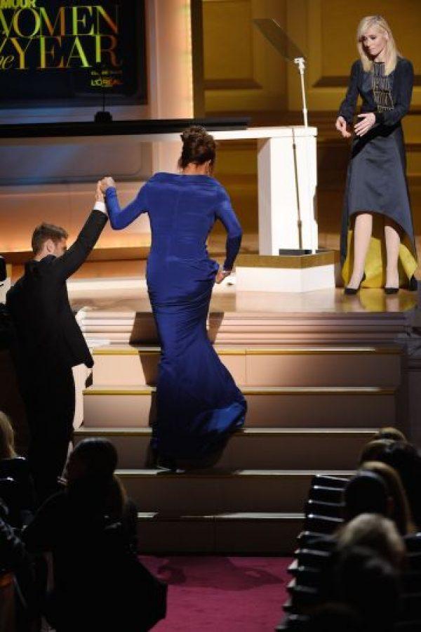 """""""Cuando se trata de cuestiones de género, todos los que estamos presentes en esta habitación realizamos nuestro propio viaje"""", explicó Caitlyn Jenner tras recoger el galardón"""". Foto:Getty Images"""