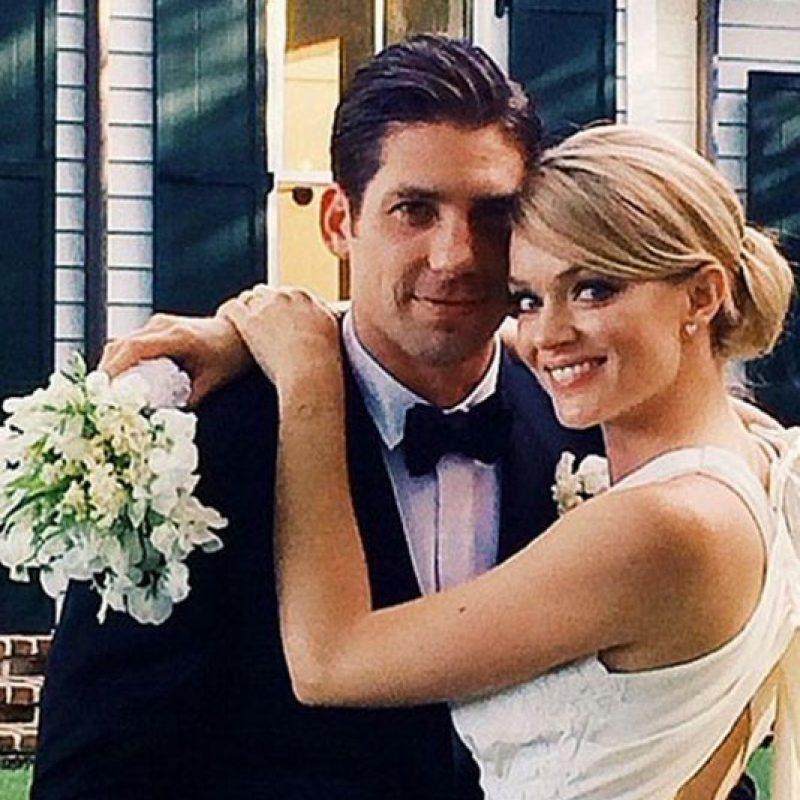 La modelo estadounidense se casó con su prometido, el representante de ventas de material médico Sean Clayton Foto:Vía Instagram