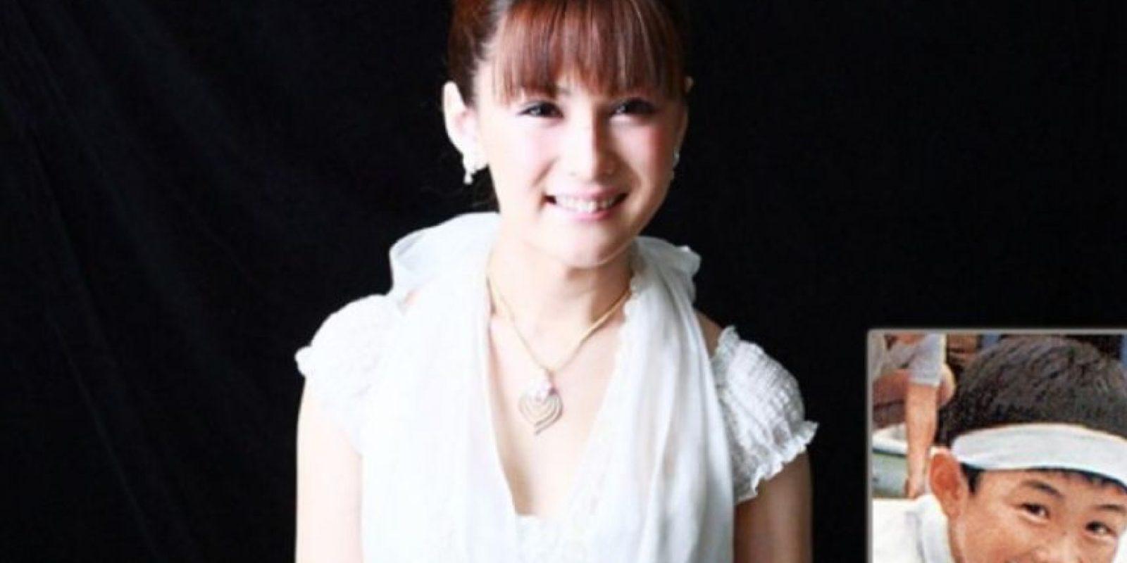 4. Ayana Tsubaki es una celebridad en la TV japonesa, sin embargo, ella también es transexual. Al parecer, su belleza pareció suficiente para que se convirtiera en una reconocida presentadora. Foto:Weibo