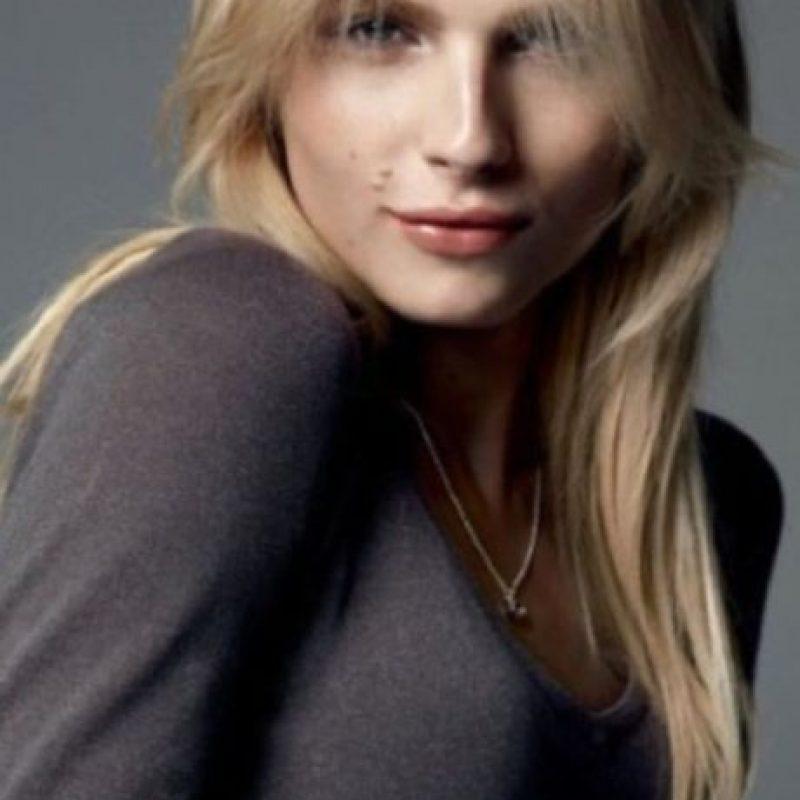 El modelo australiano saltó a la fama como Andrej Pejic. Este participó en la edición 2010 de la revista Vogue París, en la que Carine Roitfeld lo fotografió en ropa de mujer, hecho que causó impacto porque también se mostraban imágenes del modelo sin camisa. Foto:Vía Twitter