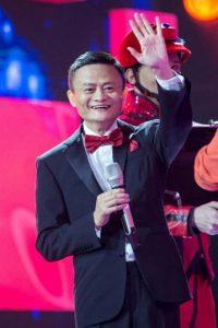 De acuerdo a la revista Forbes, es el segundo hombre más rico del mundo y el 33 a nivel mundial. Foto:AFP