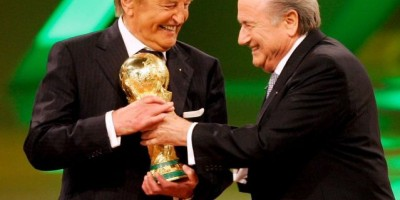 Joseph Blatter hospitalizado