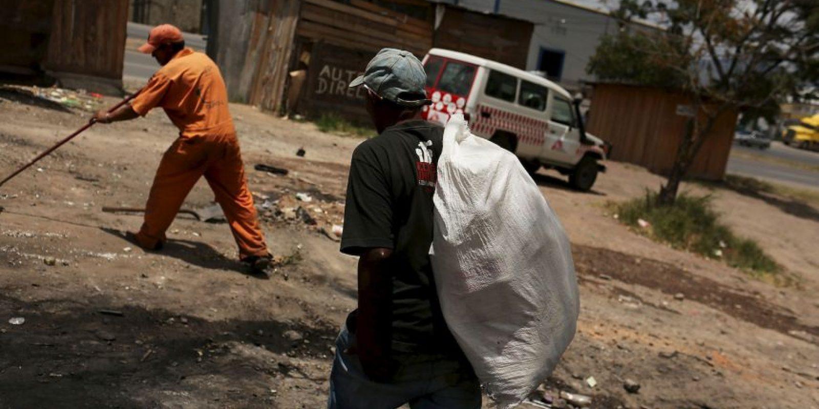 Otro método no menos común es enterrar el dinero Foto:Getty Images