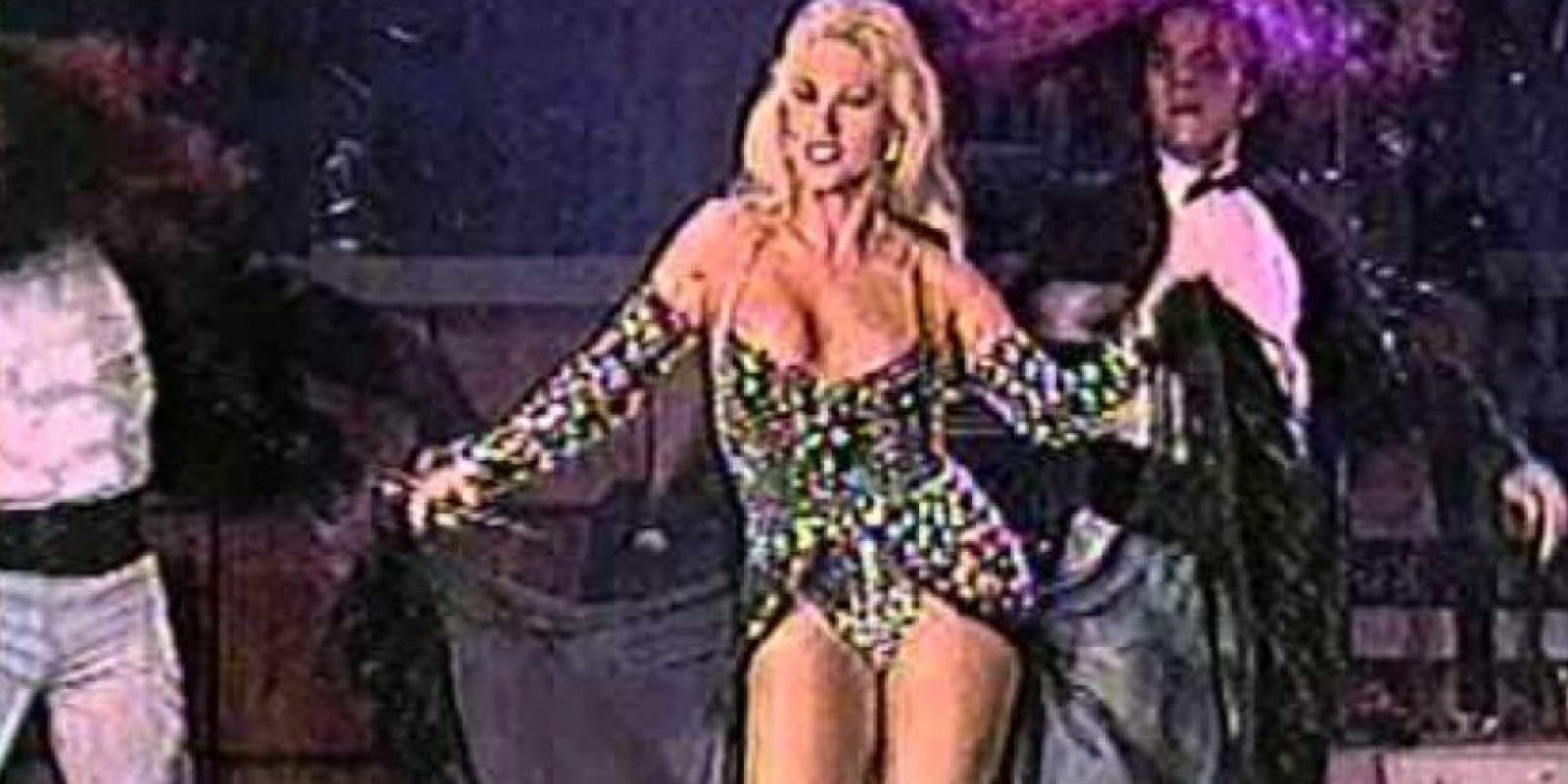 Laura León se hizo famosa desde los años 70 no solo por actuar sino también por cantar. Foto:vía Youtube