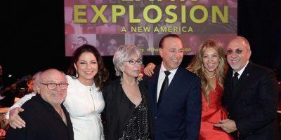 En el evento se encontró con Danny DeVito, Gloria Estefan, Rita Moreno, Tommy Mottola y Emilio Estefan. Foto:Getty Images