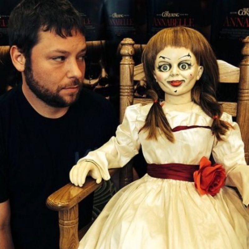 """Aquí una foto de Vincent con otro famoso juguete del cine de terror: """"Annabelle"""". Foto:vía instagram.com/alex_vincent"""