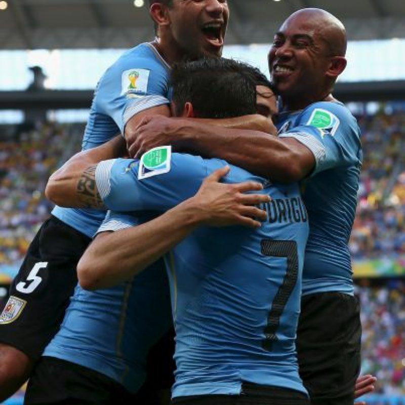 Uruguay también suma seis puntos Foto:Getty Images
