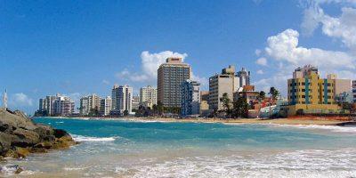 A pesar de que muchas de sus playas son reconocidas, San Juan, así como otras partes de los isla tienen playas poco frecuentadas y que vale la pena conocer. Foto:Vía Wikimedia Commons