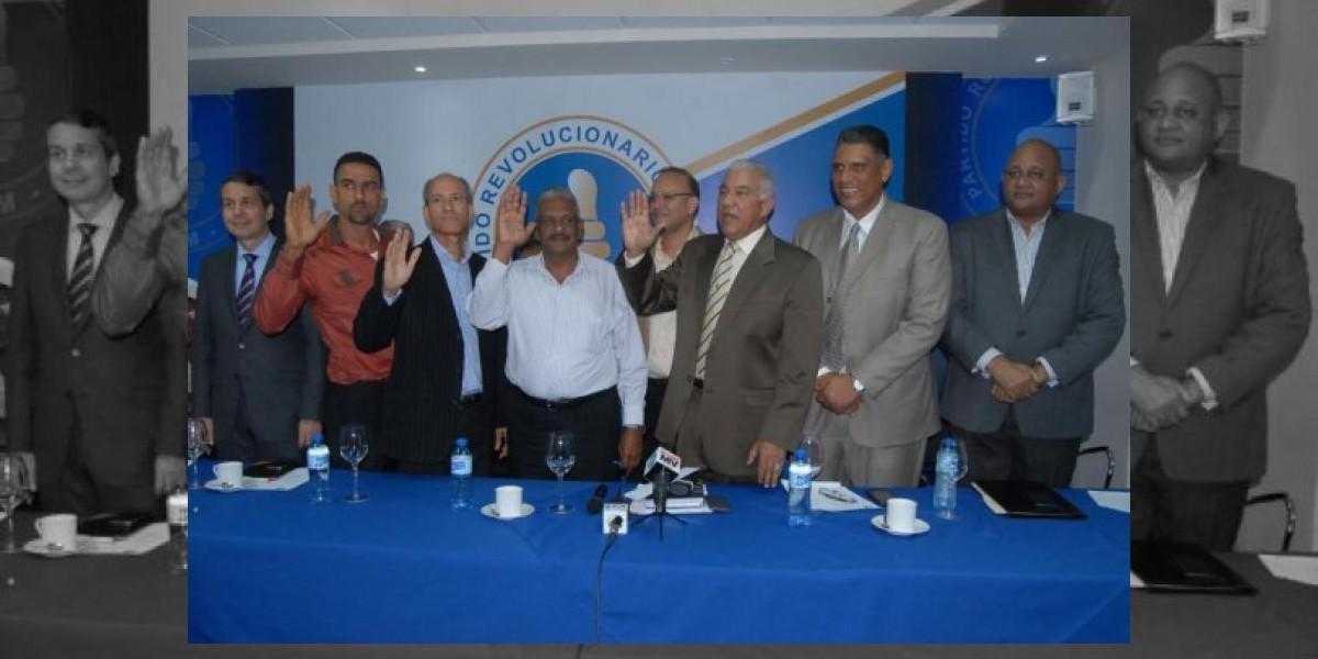 Presidentes municipales del PRD de Santiago renuncian para apoyar a Abinader