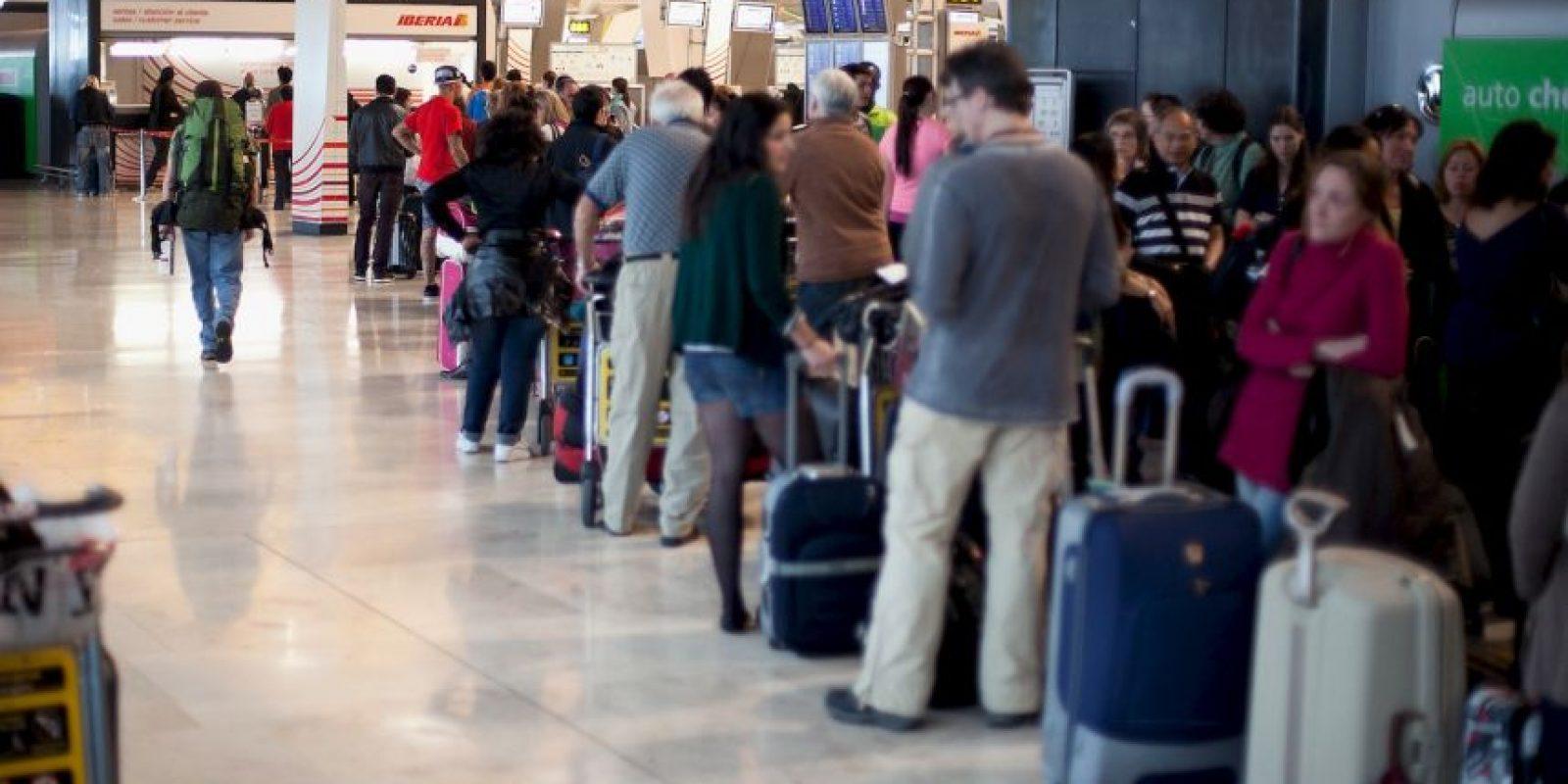 7. Los que golpean a los demás con su equipaje de mano (38%). Foto:Getty Images