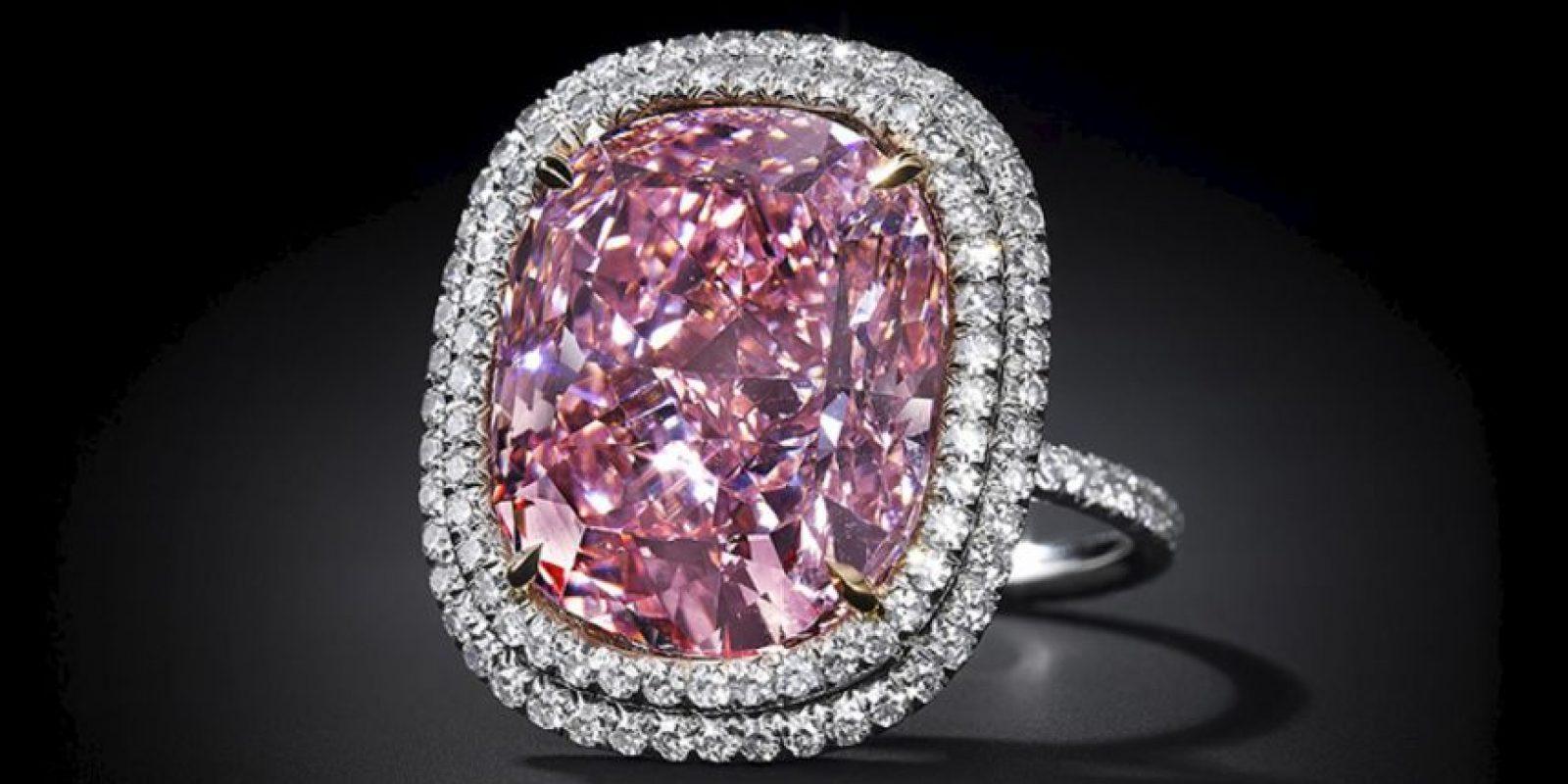 "Antes de este costoso regalo, Lau le dio a su hija este diamante rosa, ""Sweet Josephine"". Foto:Vía jewelsdujour.com"