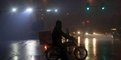 """3. De acuerdo con la OMS, """"la contaminación atmosférica urbana aumenta el riesgo de padecer enfermedades respiratorias agudas, como la neumonía, y crónicas, como el cáncer del pulmón y las enfermedades cardiovasculares"""". Foto:AFP"""