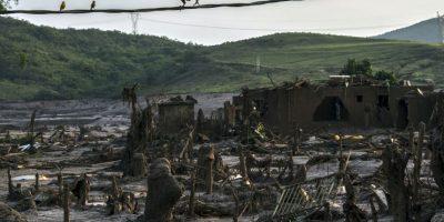 El pueblo brasileño Bento Rodrigues a tres días de que sufriera una avalancha de lodo. Foto:AFP