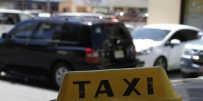 Los taxistas advierten de un paro si Uber sigue en el país