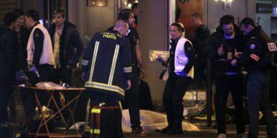 Los servicios de emergencia continúan trabajando. Foto:AP