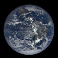 5. La Tierra experimentará 15 días de oscuridad debido a un fenómeno cósmico. Esta noticia circula en Internet desde hace varios meses. Sin embargo, esta semana alarmó redes sociales. Foto:Tumblr