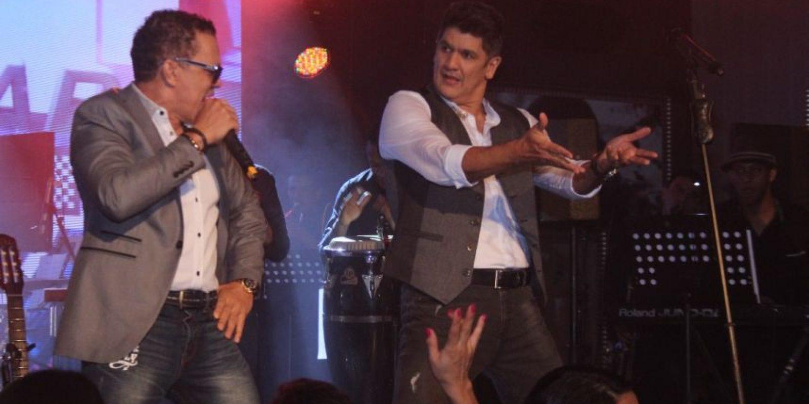 Eddy Herrera con Rafa Rorario en escenario Foto:Fuente Externa