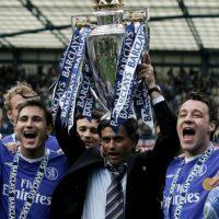 """El luso llegó a Londres en 2004 y en su primer año, le dio a los """"Blues"""" su primera liga en 50 años, logro que repitió en la campaña siguiente. Foto:Getty Images"""