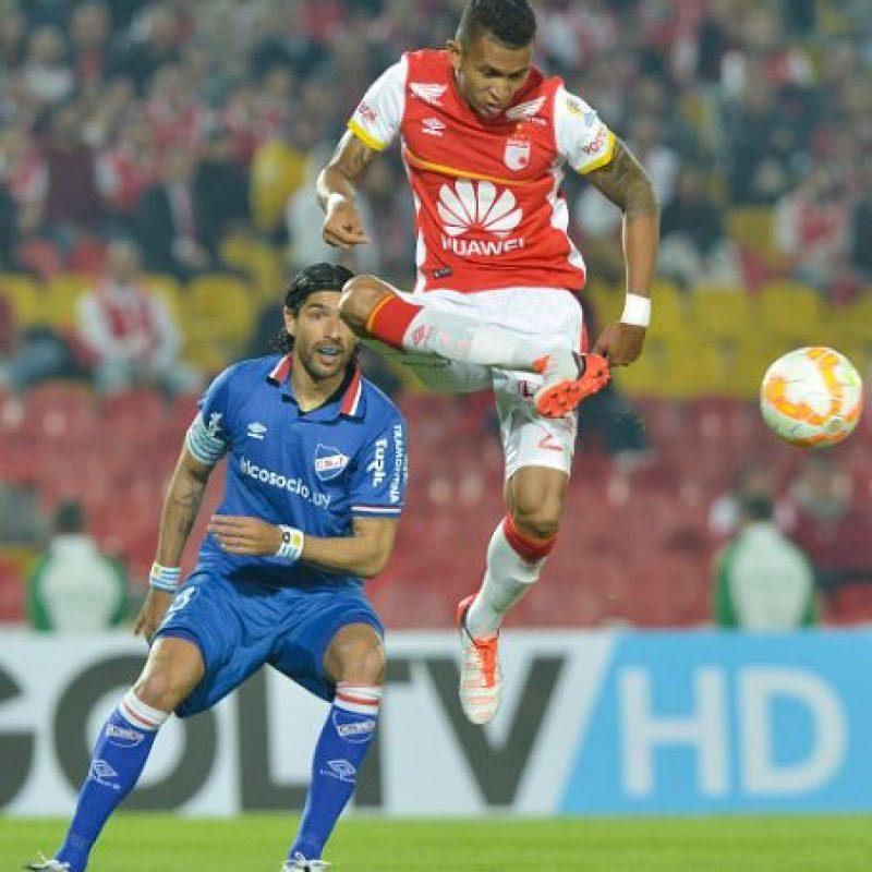 """A sus 39 años, el """"Loco"""" juega para el Nacional de Uruguay. Foto:Getty Images"""