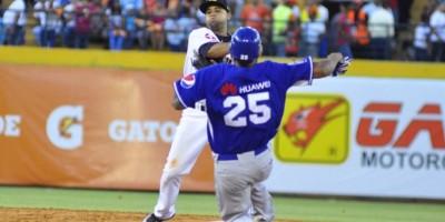 Tigres sobreviven con triple de Beltré y Águilas se hunden; Gigantes vencen a las  Estrellas Orientales