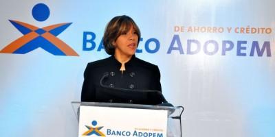 Acuerdo permitirá ADOPEM emitir 140,000 créditos por monto total 450 millones