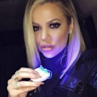 Se ha destacado como empresaria y la encargada de la línea de ropa Kardashian Kollection Foto: vía instagram.com/khloekardashian