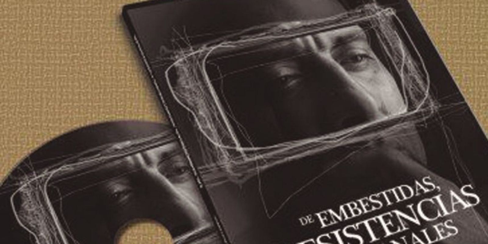 2. Poeta. En el mes de abril de 2012, lanzó su audio libro de poemas titulado: De embestidas, resistencias y ventanales el cual contiene en sus páginas, su pensar sobre diversos temas sociales. Foto:Fuente Externa