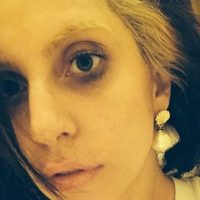 Lady Gaga, con el maquillaje hecho pedazos. Foto:vía Instagram