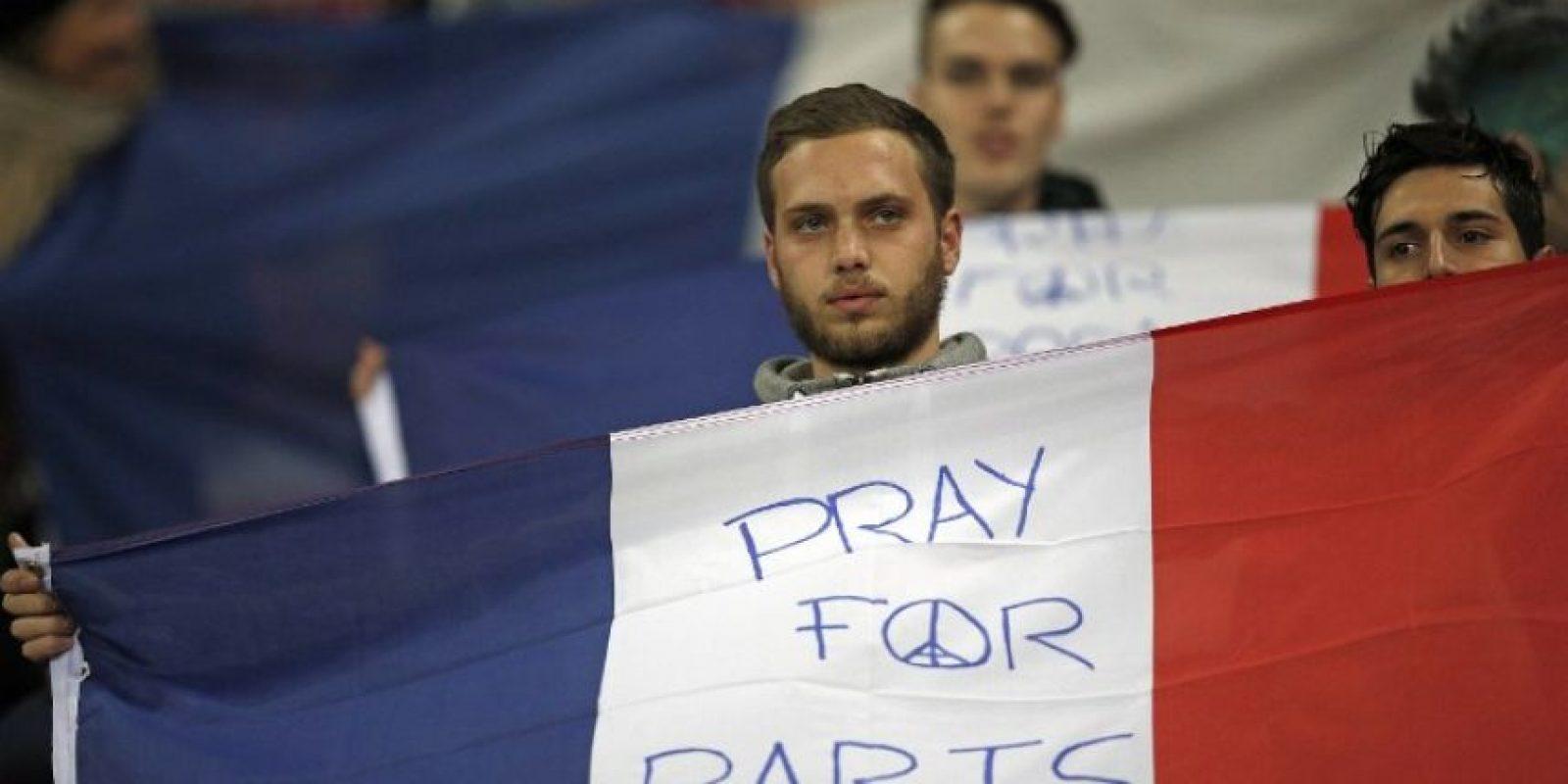 Tributo a las víctimas del atentado terrorista en el Inglaterra-Francia Foto:AFP