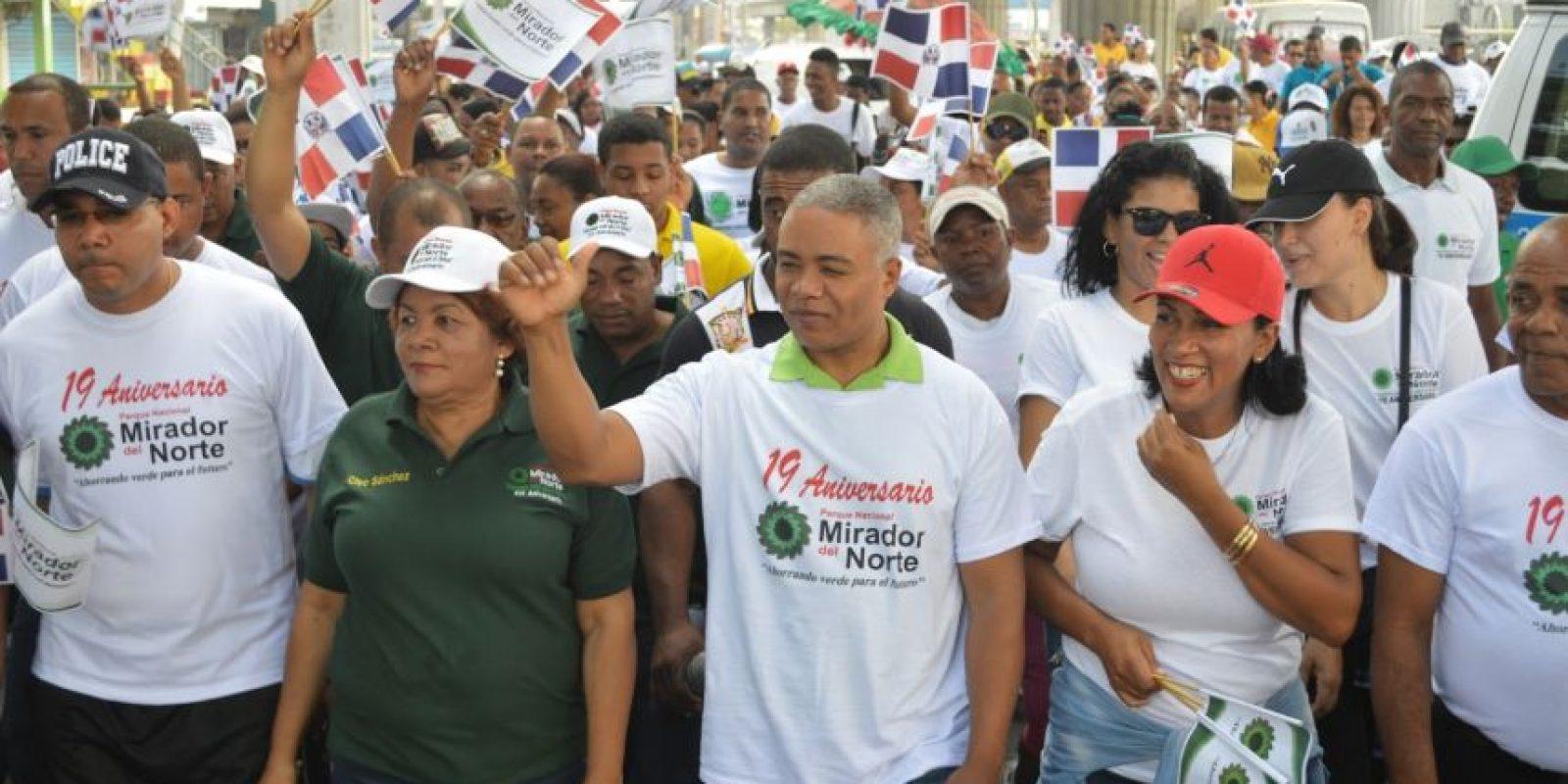 Manuel Jiménez, aspirante a alcalde en SDE, dejó el PLD porque no celebró primarias; Francisco Fernández se aferra a la respostulación por el PRD en SDN. Foto:Archivo