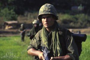 "1986, en la película ""Platoon"" Foto:IMDB"