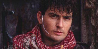 """Este era su look en la cinta de 1990, """"Navy Seals"""" Foto:IMDB"""
