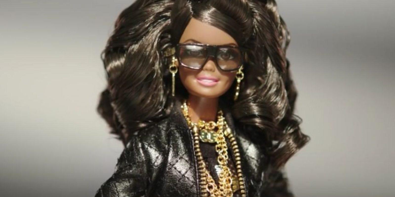 Esta es la nueva Moschino Barbie Foto:Vía Youtube/Moschino Official