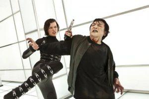 """Con un look más serio, más armas y nuevas tácticas de pelea, Jovovich revivió a """"Alice"""". Foto:IMDB"""