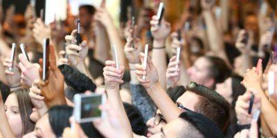 Las hijas de Caitlyn Jenner están promocionando su nueva línea de ropa de su marca Kendall + Kylie. Foto:Getty Images