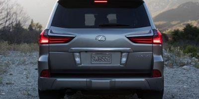 La parte trasera de la SUV cuenta con un nuevo grupo óptico con tecnología LED Foto:Fuente Externa