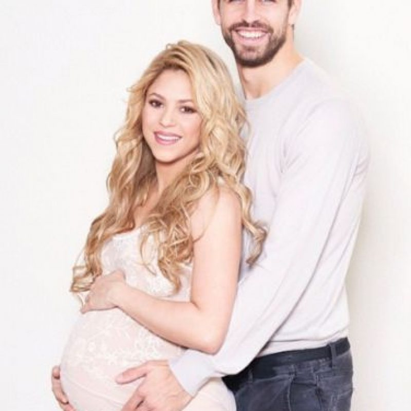 Todo porque su antiguo empleado tendría un video sexual de la pareja y les pide una gran suma de dinero para no hacerlo público. Foto:Vía instagram.com/Shakira
