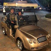 Hace un año, el regalo para Koraun fue un coche de golf Bentley. Foto:Vía instagram.com/kingkouran