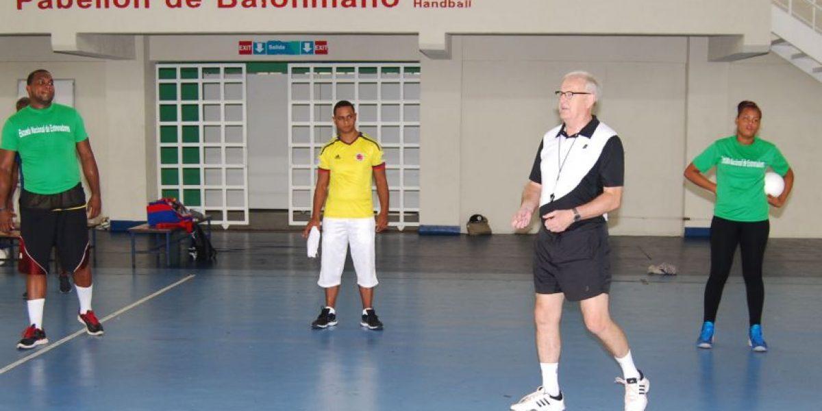 Alemán imparten curso de balonmano a 25 entrenadores