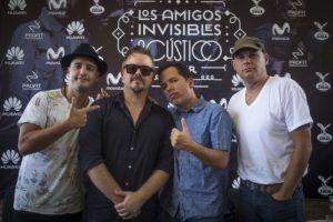 José Rafael Torres (con lentes y camisa oscura) se presenta hoy con la banda.