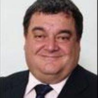 Costa Takkas. Inglés, 58 años. Asesor de Jeffrey Webb, expresidente de Concacaf. Foto:Twitter