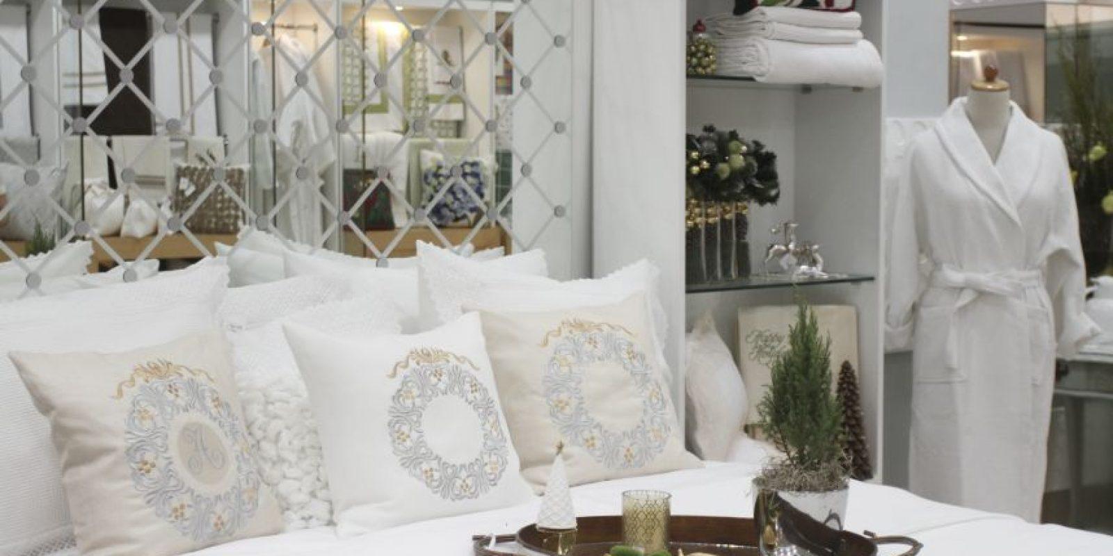 Personalizar la lencería de la habitación hace más especial ese rincón de la casa, como estos artículos disponibles en la tienda Macan Foto:Roberto Guzmán