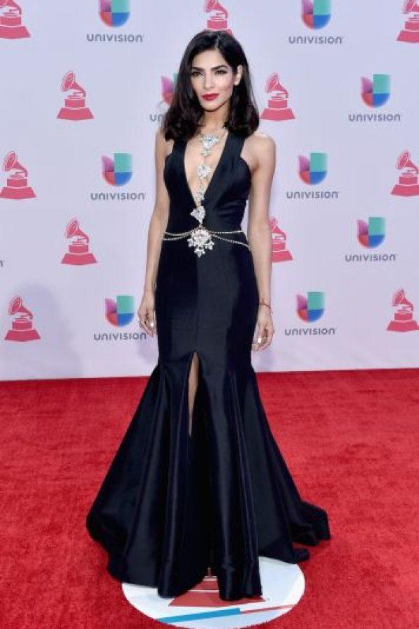 La modelo mexicana presumió sus curvas con este vestido negro. Foto:Getty Images