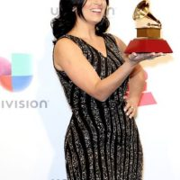 Fernanda Braum tiene un vestido sacado de una barata vintage. Foto:vía Getty Images